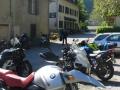 Geparkeerde motoren bij Auberge les Myrtilles