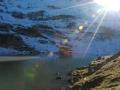 Bergmeer met sneeuw