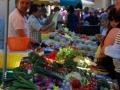 Groente kopen op de gezellig markt van Saint girons