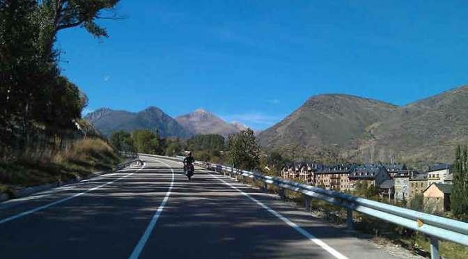Motorrijden in de Pyreneeen